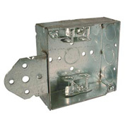 "Hubbell 224 Square Box 4"", 1-1/2""D, 1/2"" & 3/4"" Side Knockout, Mc/Bx Clamps, Stud Bracket - Pkg Qty 25"