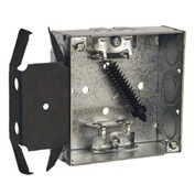 "Hubbell 229 Square Box 4"", 1-1/2""D, 1/2"" & 3/4"" Side Knockout, Mc/Bx Clamps, Stud Bracket - Pkg Qty 25"