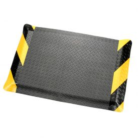 "Diamond Plate Ergonomic Mat 36 Inch Wide 9/16"" Thick Black/Chevron"